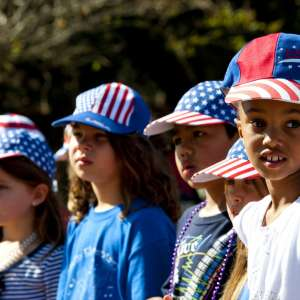 memorial day weekend photo ideas kids in hats